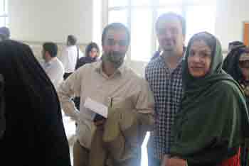 http://aamout.persiangig.com/image/Book-Fair-26-Tehran/920218/0039.JPG